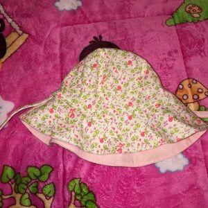 Gap floral bonnet hat for baby